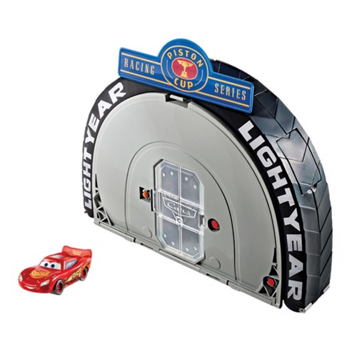 Image of   Cars 3 - Thomasville Speedway Portable Play Set