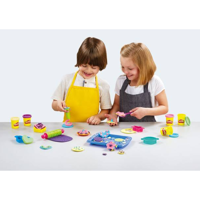 Play Doh kage party