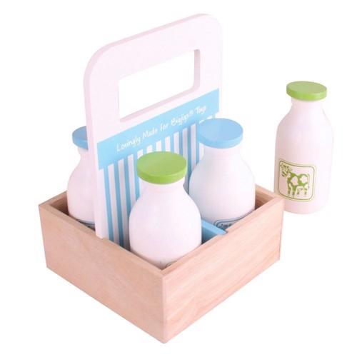 Træ legetæj, kasse med mælkeflasker, 5 dele.