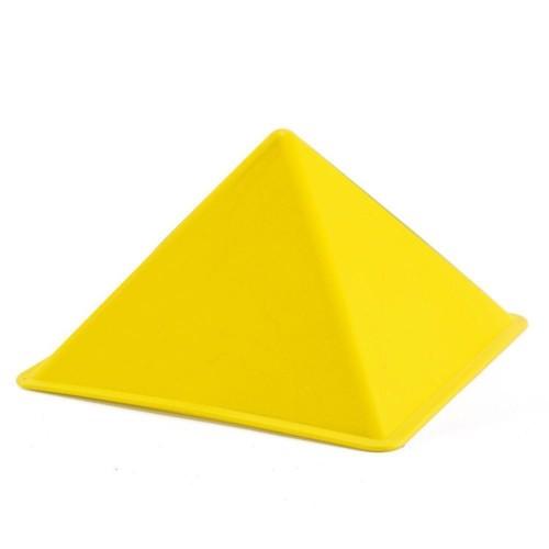 Image of   Hape E4016 sandform pyramide gul 14x14cm