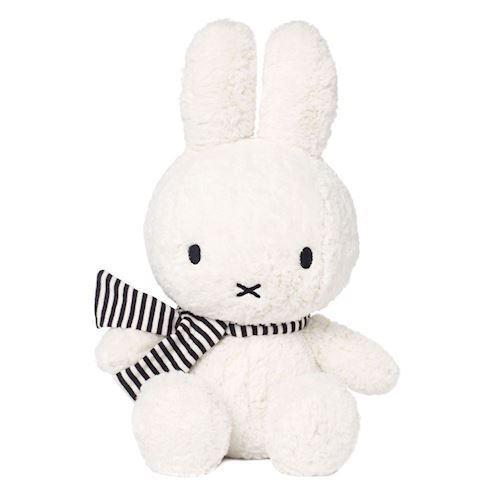 Image of Miffy Vinter Bamse, 33 cm (8712269006656)