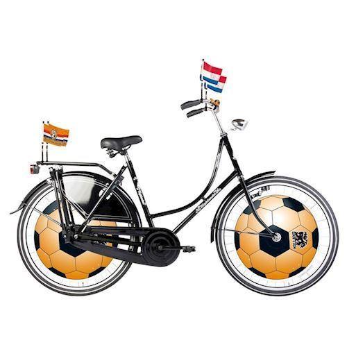 Image of Cykel pynt, orange fodbold til hjul. (8714572305099)