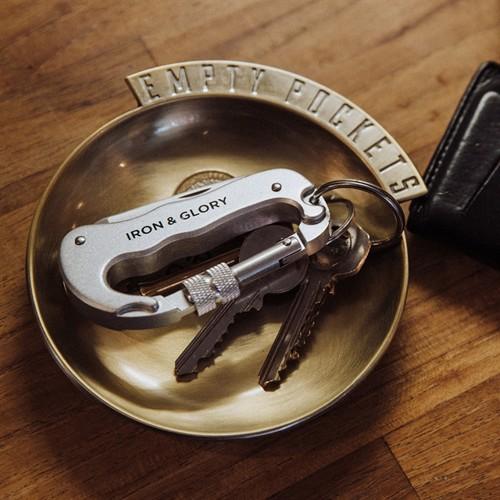 Image of Empty Pockets Bakke I Metal