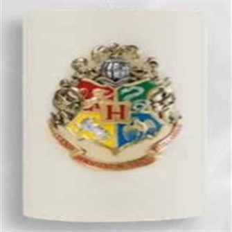 Image of Hogwarts (Large Sculpted Insignia Candle) (9781682982150) (9781682982150)