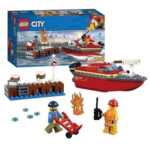 Image of LEGO City 60213 brand på havnen