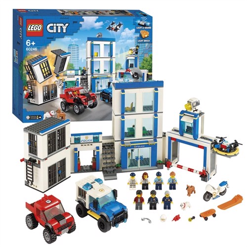 Image of Lego city 60246 Politistation
